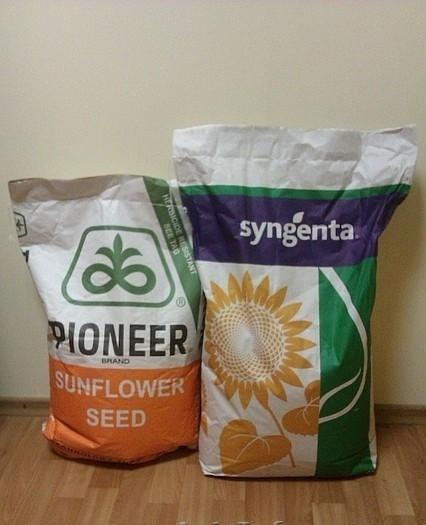 Гибридные семена подсолнечника / кукурузы зарубежного производства