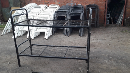 Двухъярусные металлические кровати бывшие в употреблении