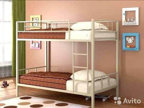 Металлическая двухъярусная кровать «Валенсия»