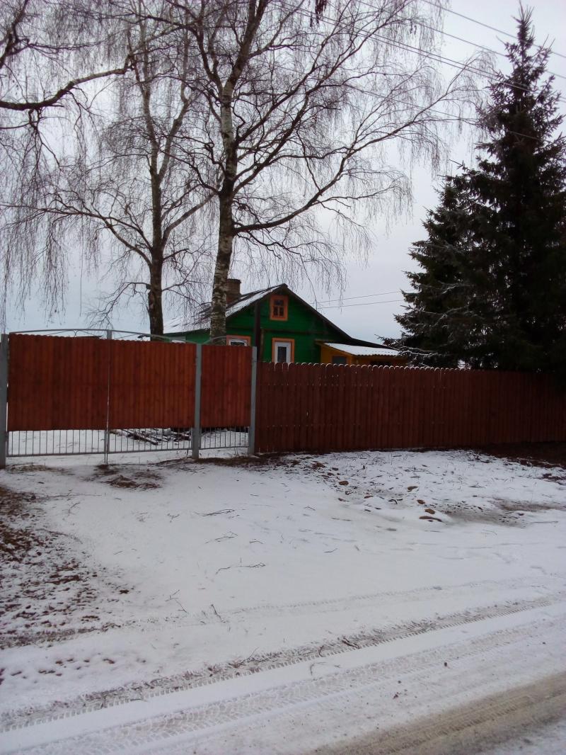 Дом 50 м2 с частным прудом