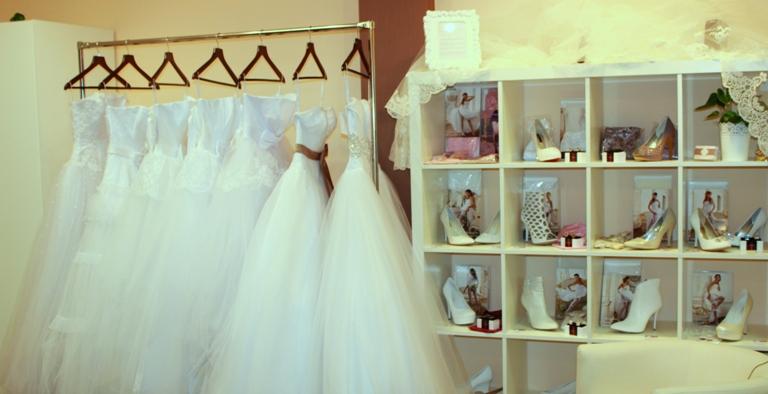 Свадебные платья москва недорого шоурум