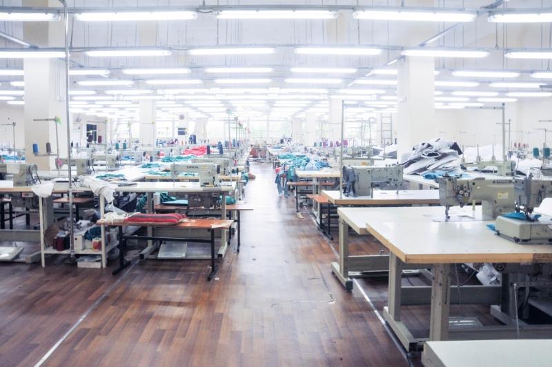 Пошив верхней одежды оптом. Крупная фабрика