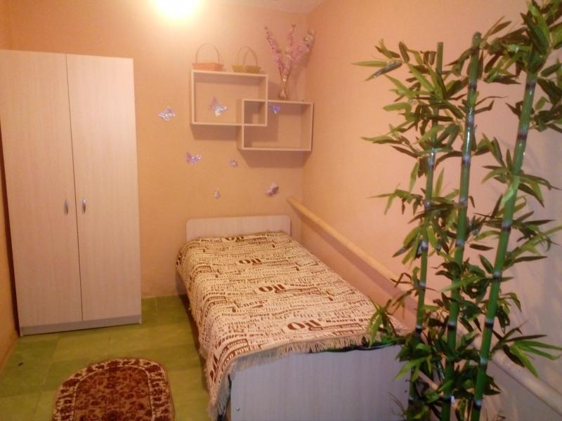 Комната в 2-к 55 м2, 1/1 эт. азовское море 15мин.