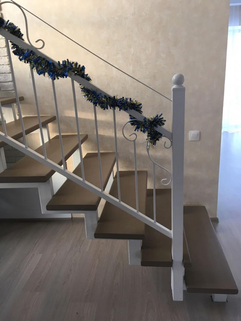 Лестницы на 2 этаж на металлокаркасе