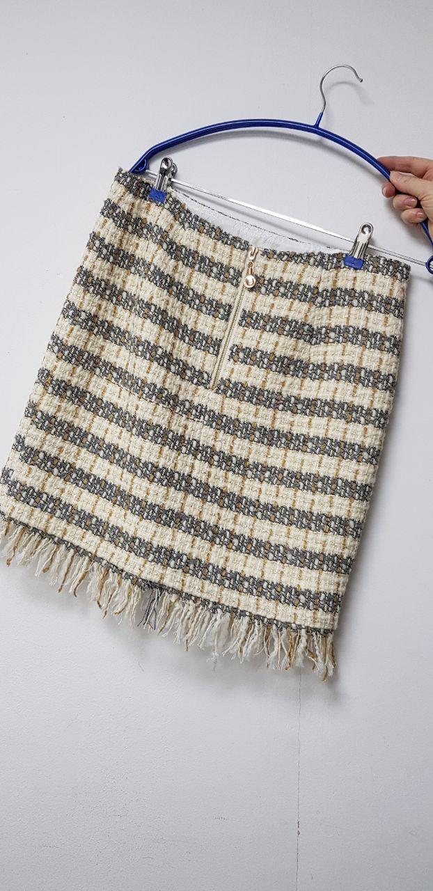 Продам юбку из твидовой ткани новую