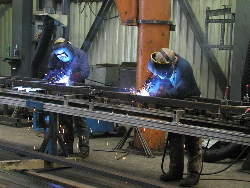 Изготовим любые металлоконструкции и изделия из металла.