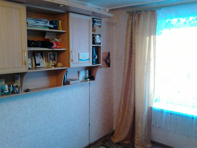 Комната в 4-к 18 м2, 2/5 эт.