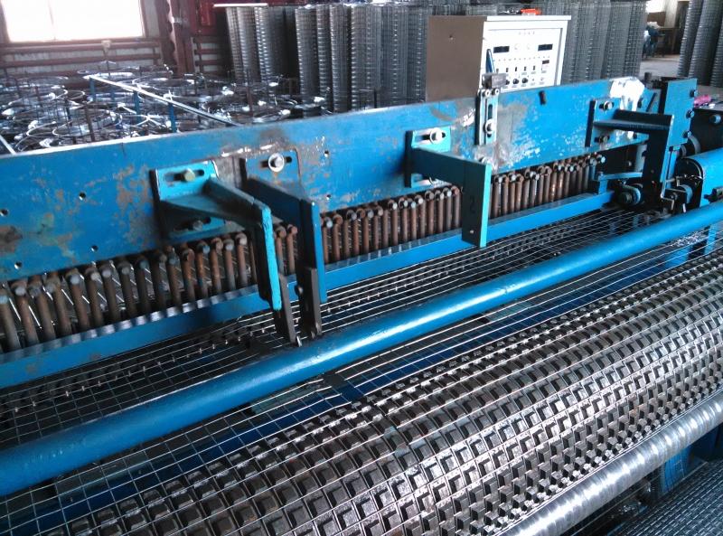 Станки для производства сварных металлических сеток в рулонах