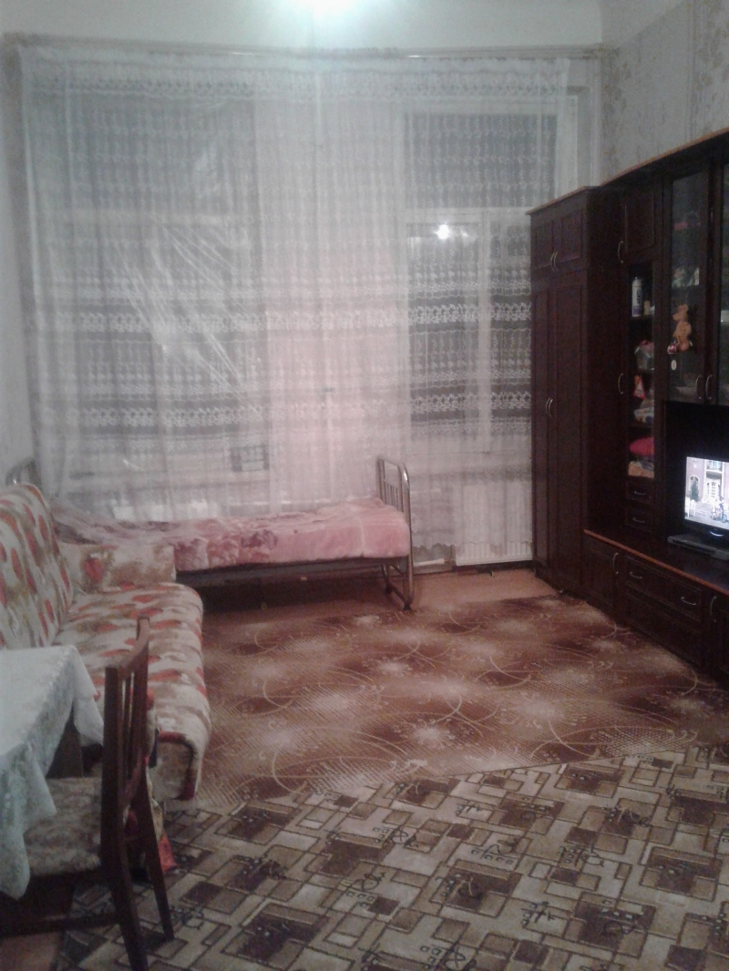 Комната в 5-к 23 м2, 2/6 эт.