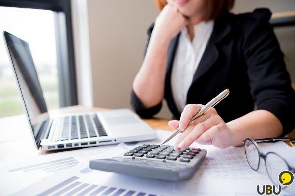 Организация оказывает услуги по ведению бухгалтерского и налогового учета
