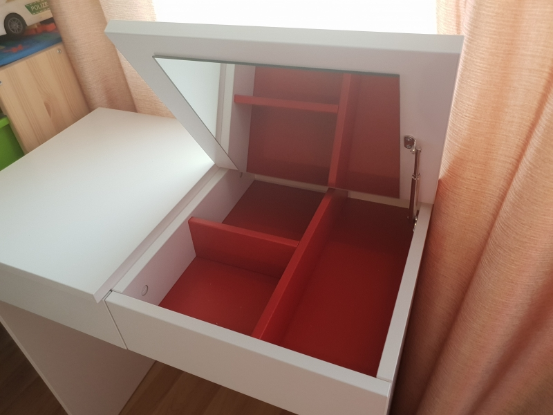 IKEA новый туалетный столик