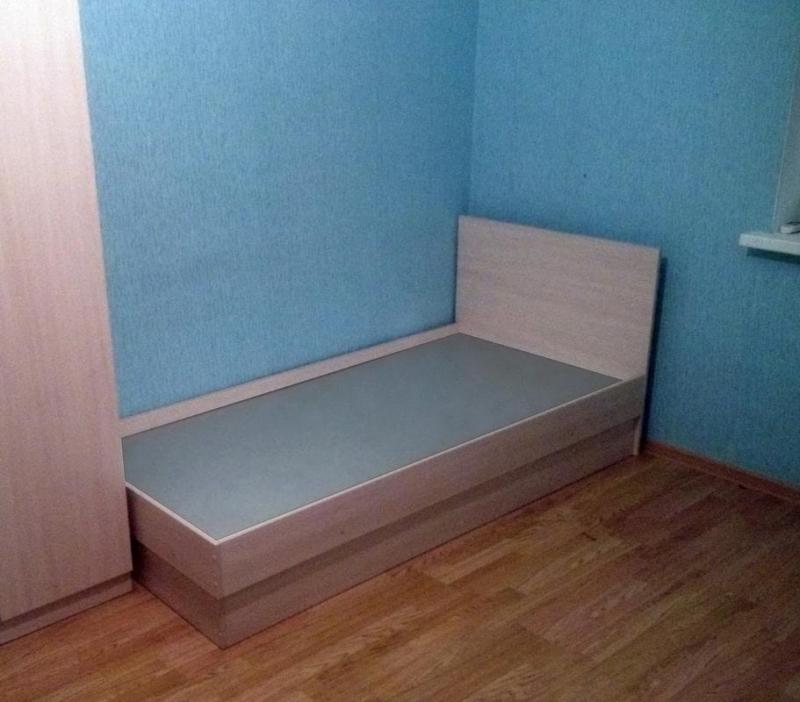 Кровати односпальные усиленные,спальное место 1.9х0.9, 5 цветов