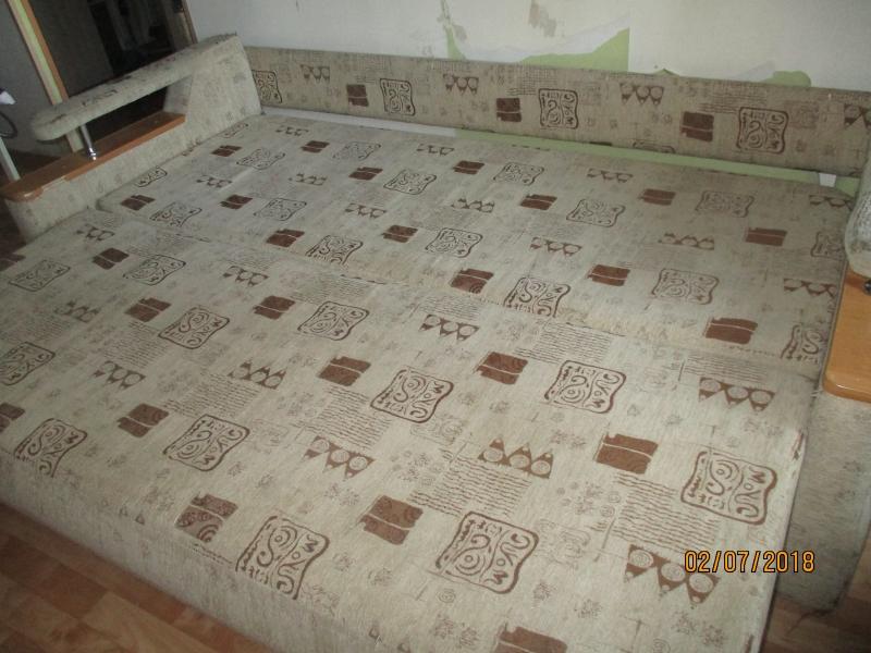 Продам трехместный диван