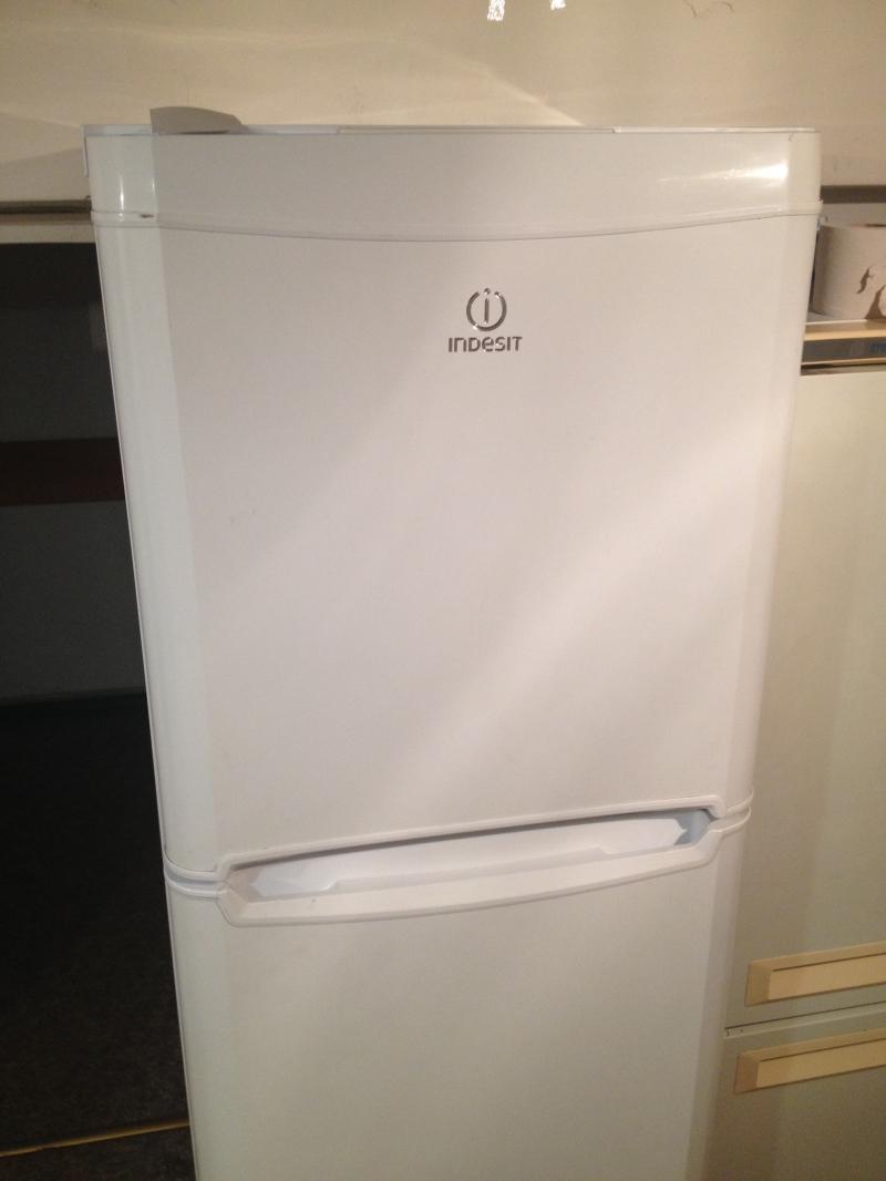 Холодильник Indesit T18RNF