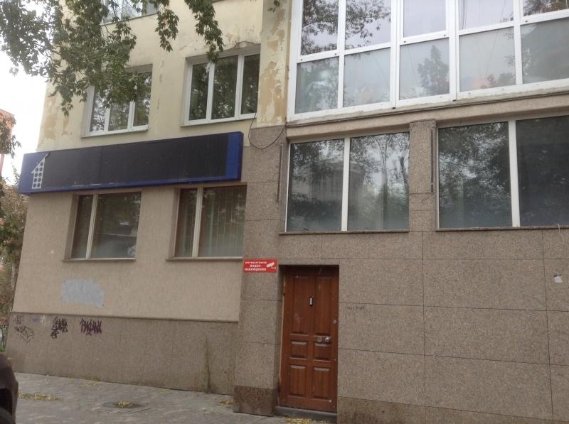 Сдам помещение под офис, салон, магазин, ул. Мамина-Сибиряка, 104