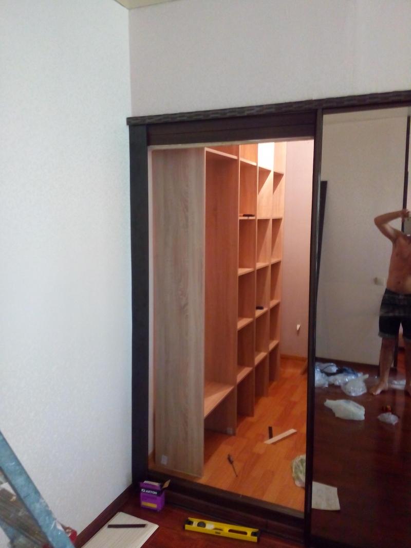 Шкафы купе, встроенная мебель на заказ от производителя.