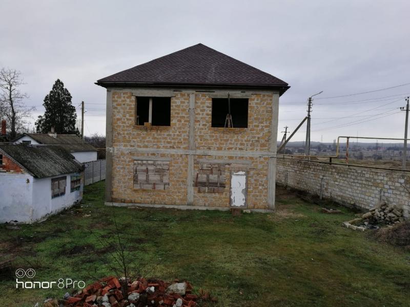 Продам дом и земельный участок в Керчи