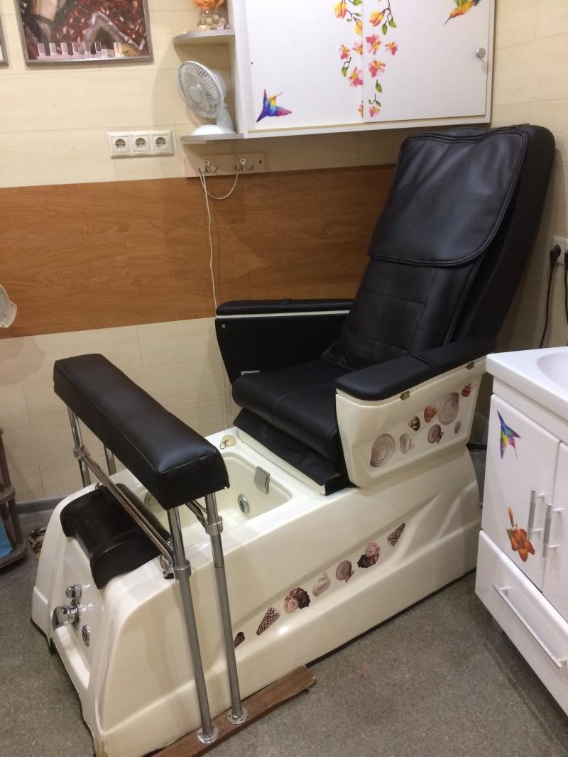 Педикюрное гидромассажное кресло со стульчиком для