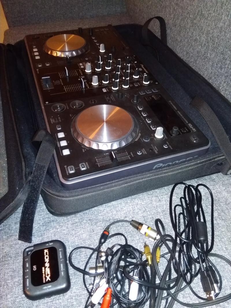 Продам контроллер Pioneer xdj r1