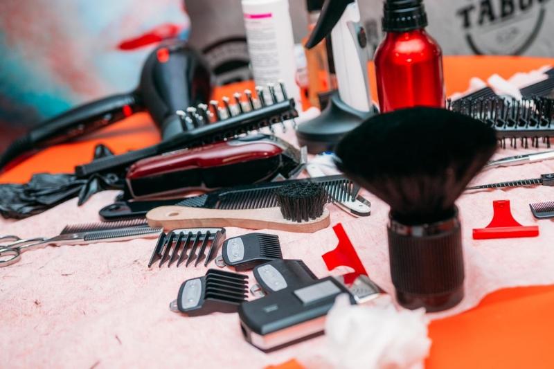 Мужские стрижки и бритьё