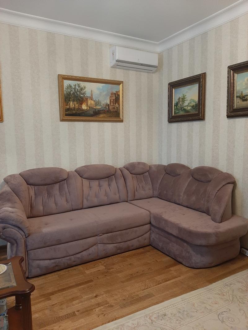 срочно продаю диван