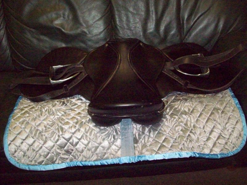 Седло на лошадь новое (кожа)