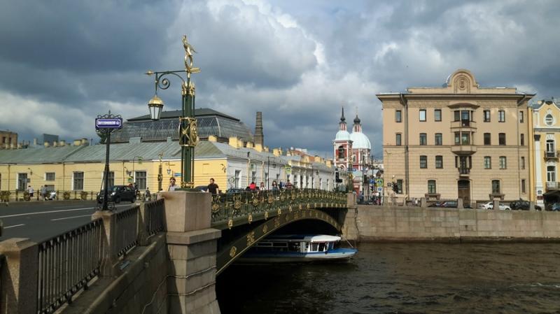 Водные прогулки, экскурсии по рекам каналам Петербурга. Катера, яхты, теплоходы.