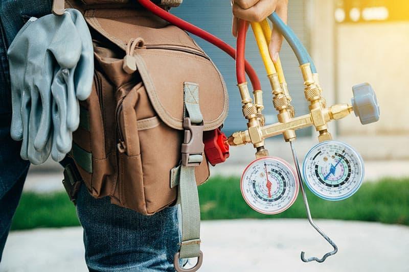 Обслуживание и ремонт домашних и промышленных кондиционеров.