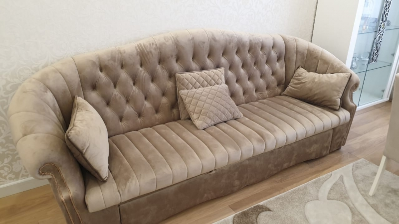 Продам диван (раскладной). Италия.