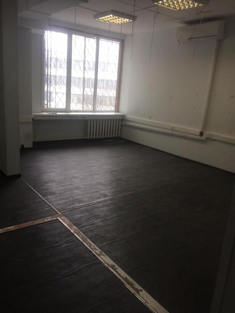 Офисы общей площадью 460,8 м2, 9000 руб. в год за 1 кв. м.