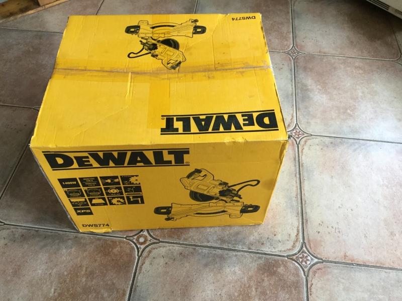 Торцовочная пила Dewalt DWS 774 (Италия)