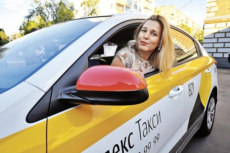Водители в Яндекс.Такси на своей машине