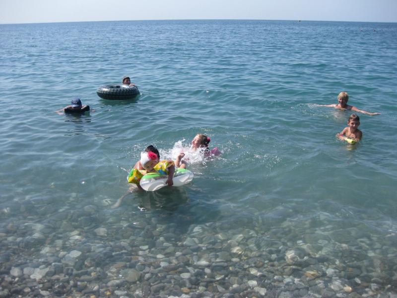 Летний отдых на чистом побережье Черного моря .Комната в 6-к 100 м2, 2/2 эт.