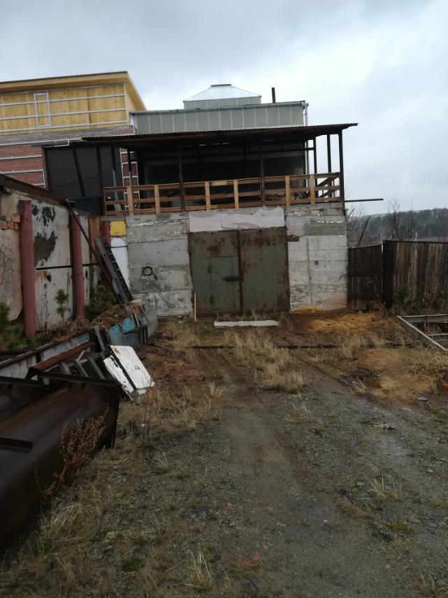 Большой гараж на Курчатовском заливе