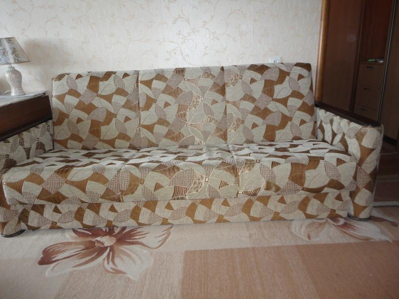 Диван -кровать и 2 кресла б/у