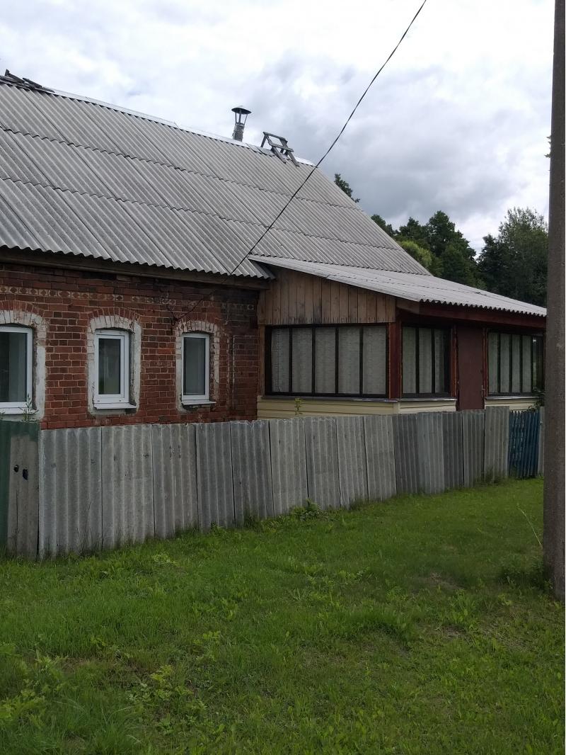 Продам дом 60 кв.м и земельный участок 400 Га