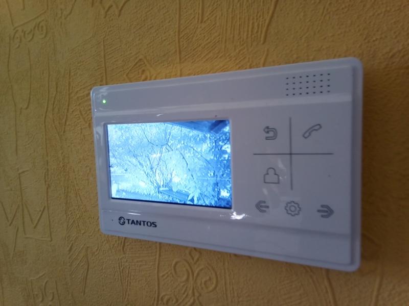 установка домофонов, видеонаблюдения, автоматических ворот