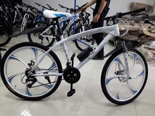 Брендовые велосипеды на литых дисках bmw,land rover,fat bike