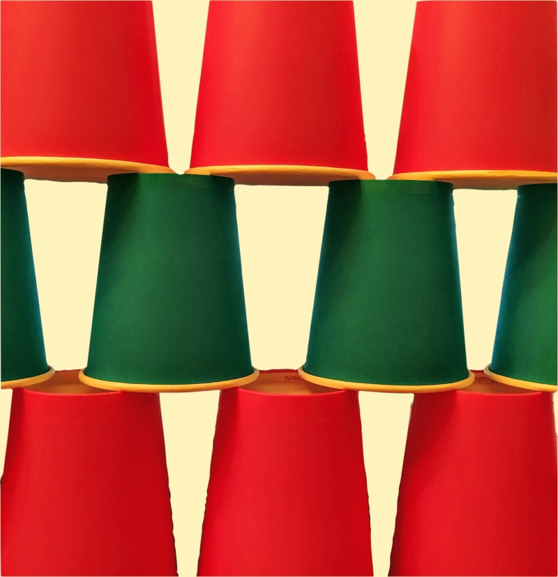 Бумажные стаканчики и сопутствующие товары для кофеен и закусочных