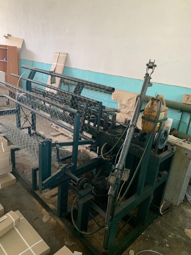 Станок-автомат для изготовления сетки рабицы ВСА 97 :