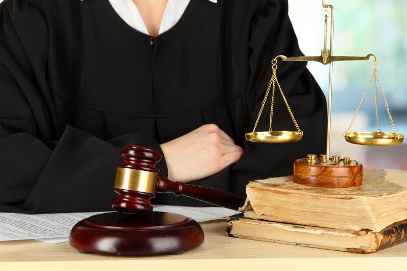 нужен опытный юрист