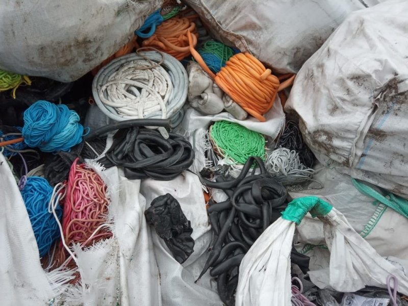 Продам отходы полиэтилена 3тыс.тонн по 5 руб.