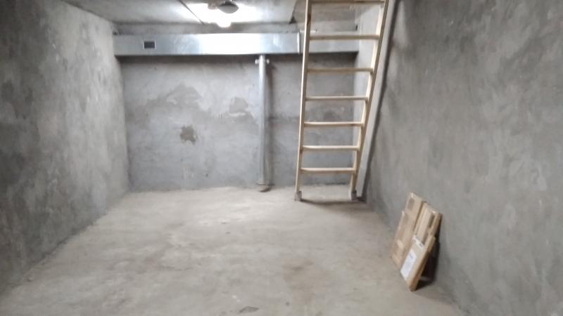 Продается гараж 2 уровня в ГСК (Дом у самолета) по адресу Ул.Губанова Дом 9.