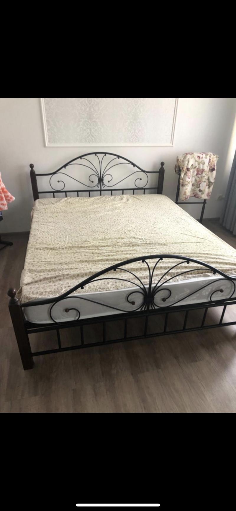 Кровать двуспальная 1,6x1,9