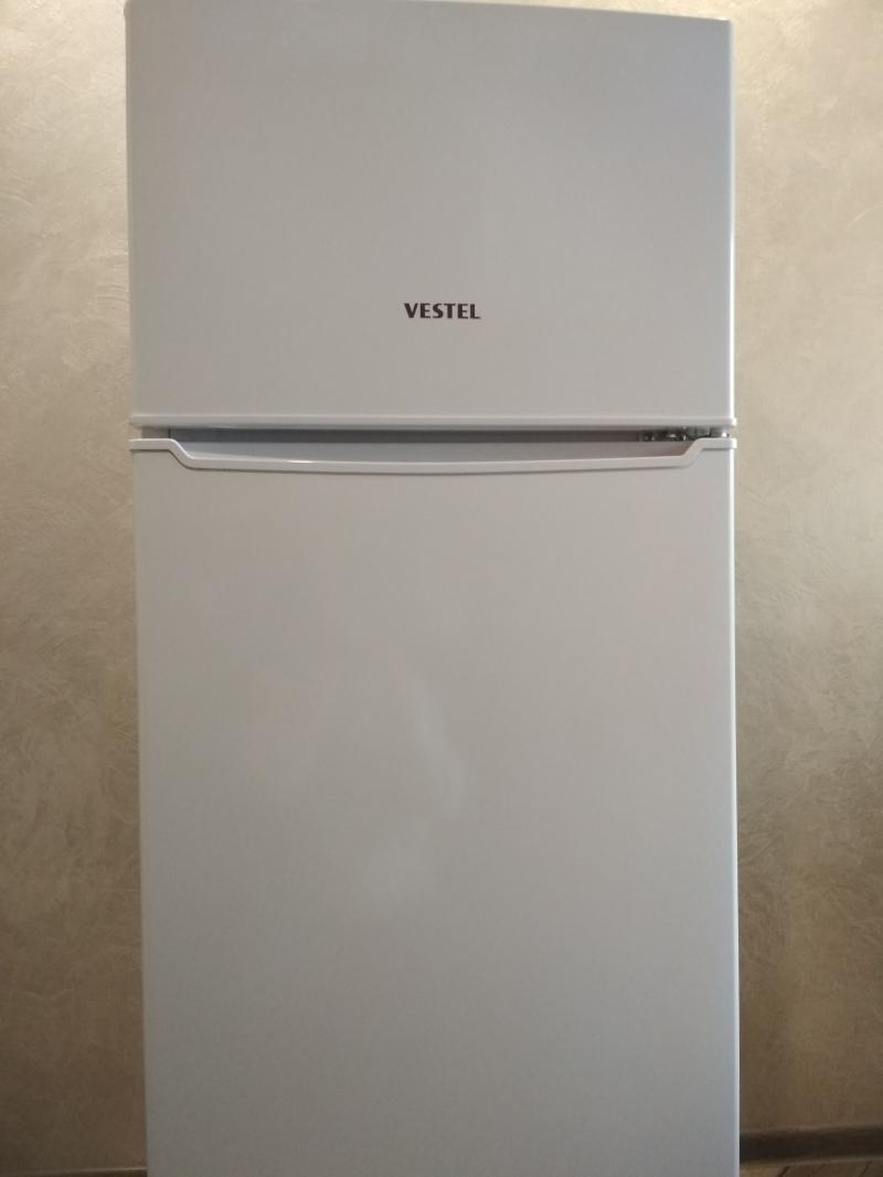 Продам холодильник Vestel