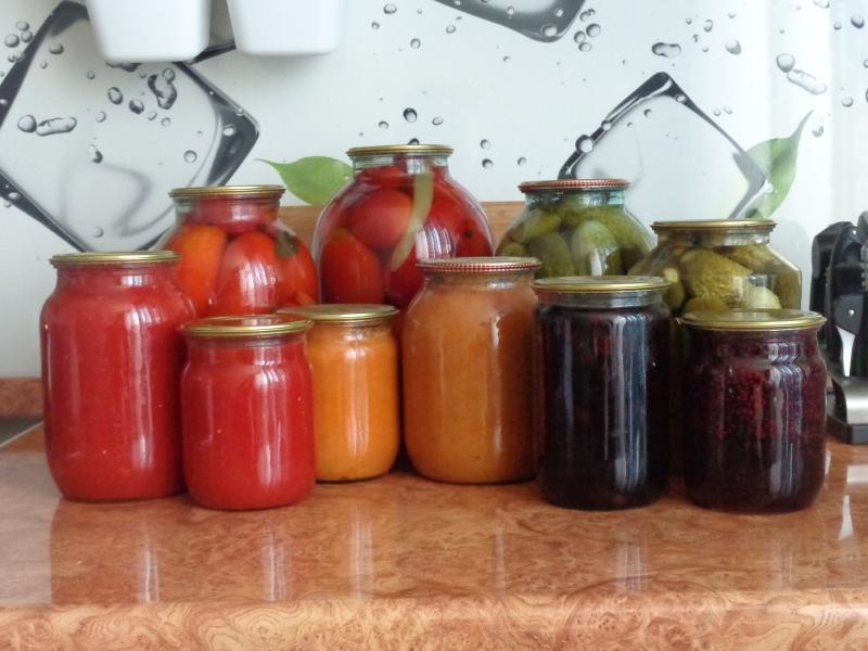 Консервация -помидоры,огурцы,кабачков.икра,варенье