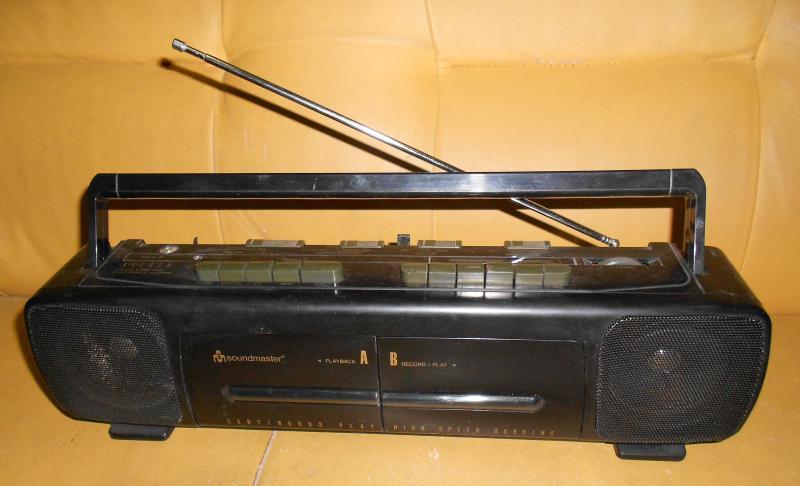 Кассетная стереомагнитола  SOUNDMASTER  DC R660