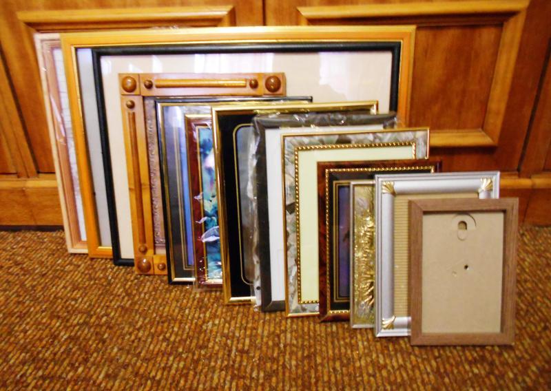 Рамки для фотографий и картин