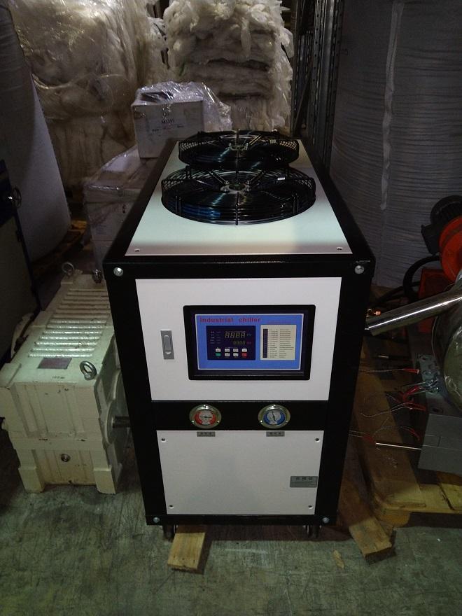 Чиллер промышленный для экструдера (13Ккал/ч)