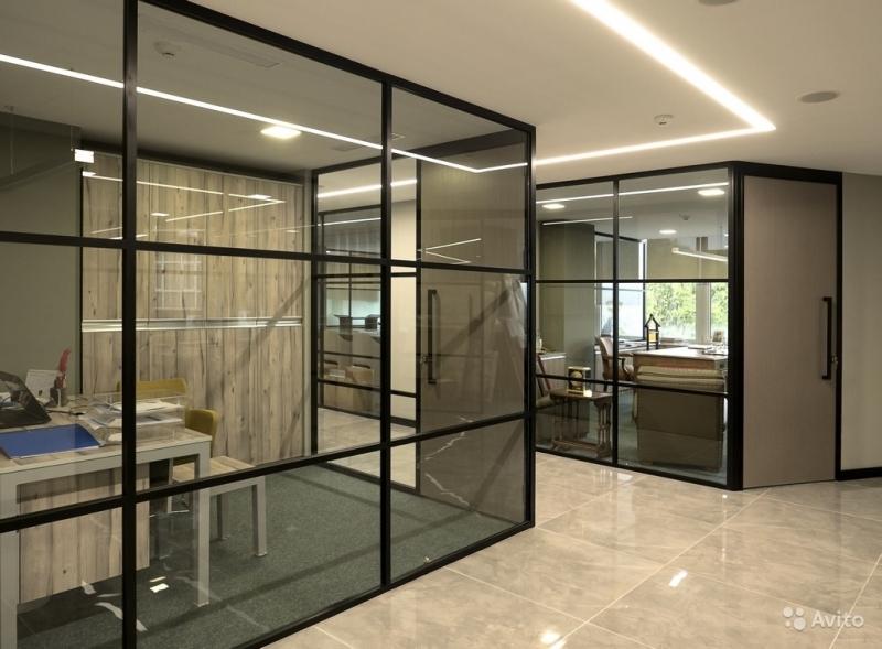 Монтаж изделий из стекла и зеркал любой сложности